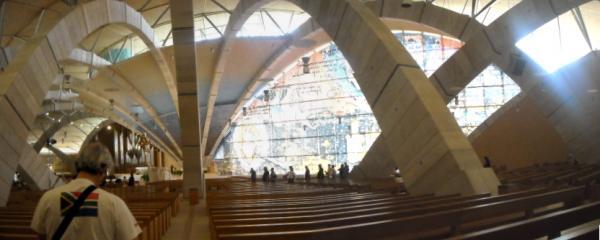 Santuario-di-S.-Pio---Interno-(2).jpg