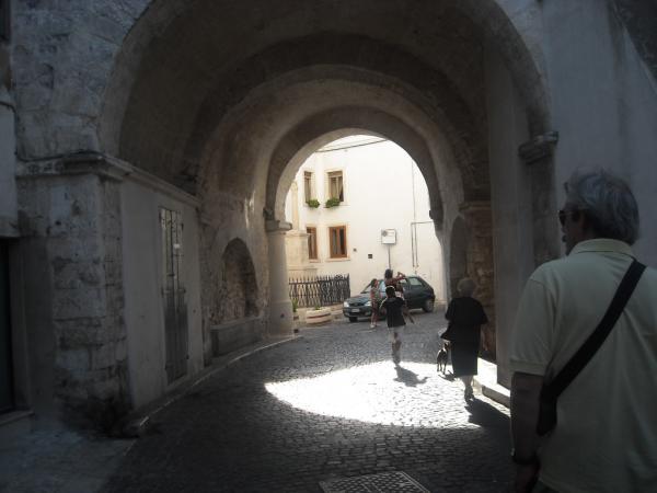 Monte-Sant'Angelo---borgo-caratteristico.jpg
