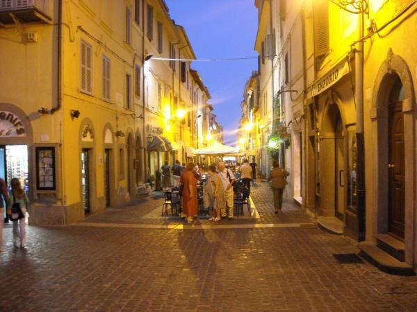 Castel-Gandolfo---Piazza-della-Libertà-e-vie-adiacenti.jpg
