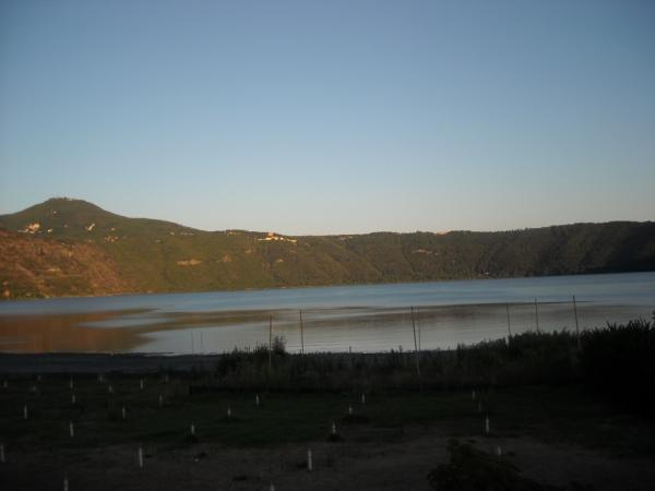 Castel-Gandolfo---Lago.jpg
