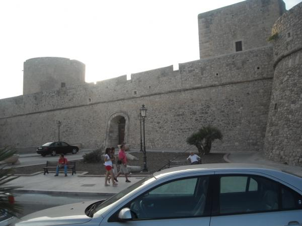 Manfredonia---Castello.jpg