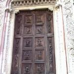 Cattedrale dell'Annunziata - Bellissimo portale istoriato