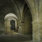 Piano terra di un Palazzo, caratteristico ed imponente il soffitto a volte con arcate gotiche
